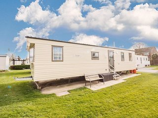 8 berth caravan for hire at Haven Hopton park Norfolk 2 night stays ref 80085S