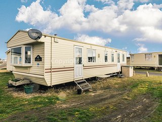 8 berth dog friendly caravan for hire in Suffolk by the beach ref 40082ND