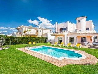 4 bedroom Villa in Galé de Cima, Faro, Portugal - 5334386