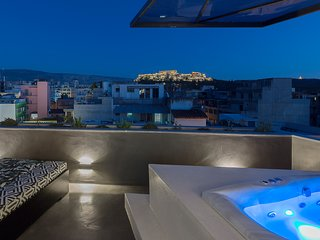 Acropolis View Jacuzzi Apartment - Athenian Lofts