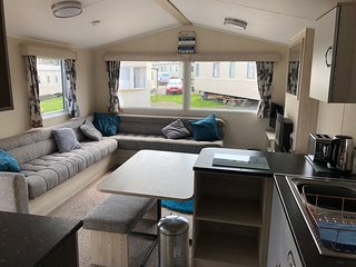 Marton Mere Holiday Village 2 bed Caravan Sleeps 6 People