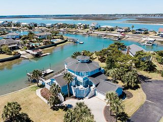 **ALL-INCLUSIVE RATES** Seascape - Inlet Front with Private Dock