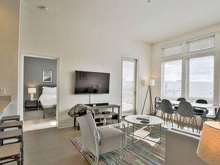 Urban Flat | 2BR Platinum Unit | High Ceilings + Pool