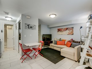Unbeatable Location★ Trendy U/14th St | Parking!