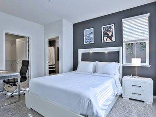 Urban Flat| Spacious 2BR Suite| Pool + Wifi