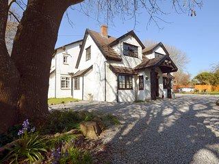 74323 House situated in Burnham-on-Sea (3mls N)