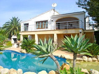 3 bedroom Villa with Pool - 5784603