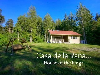 Casa de la Rana, Peaceful getaway next to Olympic Discovery Trail