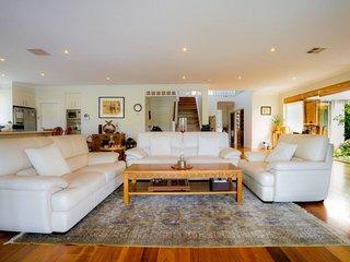 Luxury Retreat Private Level 2 BD Lane Cove