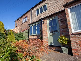 74298 Cottage situated in Thirsk