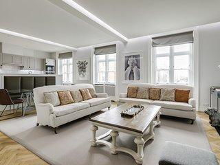 Luxurious Mayfair Home by Hyde Park