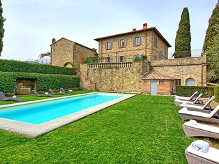 Santa Maria Acone Villa Sleeps 12 with Pool and Air Con - 5784927