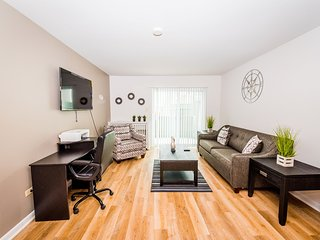 ⭐Perfect Getaway⭐Comfy King Bed✔Fast WiFi✔Smart TV✔Business Workspace✔Peaceful✔