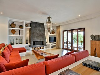 San Carlos Villa Sleeps 12 with Pool and Air Con - 5784789