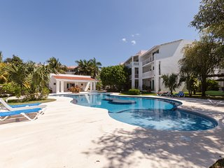 Beautiful Playacar Condo :: New Kitchen :: 2 Pools :: Perfect Family Vacation