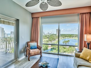 Beachside LUAU Sandestin 1 bedroom  Condo with TRAM/beach gear