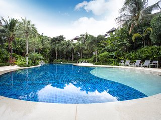 2 BDR Ground Floor Apt. 15 Min Walk to Surin Beach