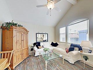 Cheery Retreat w/ New Furnishings, Near Main Street & 200 Yards to Waterfront
