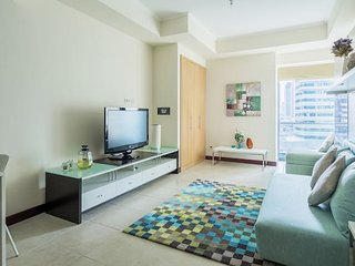 Spacious + Modern Studio in JLT - sleeps 3