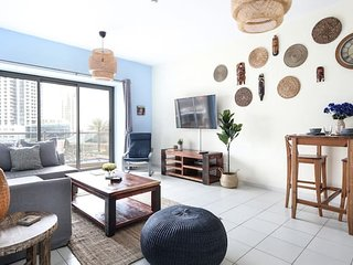 Trendy & Modern 1BR in Marina - Sleeps 4!