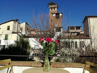 LE MELODIE DI LUCCA historical centre, terrace with views, free high speed WiFi