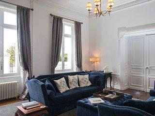 Aulnay Chateau Sleeps 21 with Pool - 5785037