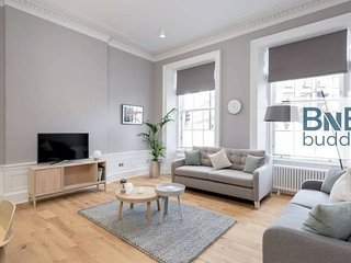 Torphichen Street 5 Star Luxury Apartment