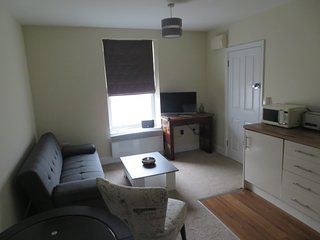Centrally located Ground Floor 1 Bedroom Newmarket Apartment