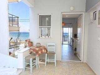 Beachfront apartment in Polychrono Halkidiki