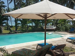 KIVULINI BEACH VILLA (9 BED ROOMS VILLA ALL ENSUITE SLEEPS 18 & FACING OCEAN)