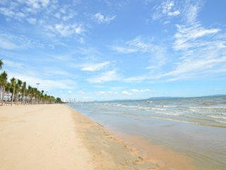 Beach Condo - many entertainment - Free Wifi