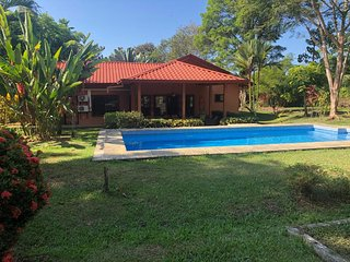 Private, Tropical Paradise Home: Mountain View, pool, 2bd 2ba with opt. casita