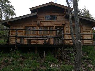 Cabaña Rústica Galpón con río Trancura, entorno natural, Pesca