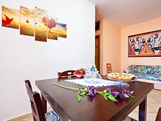 1 bedroom Villa with Air Con and Walk to Beach & Shops - 5784987