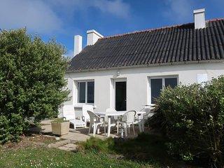 2 bedroom Villa with Walk to Beach & Shops - 5653376