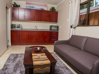 DYNA GUEST HOUSE: SELF-CATERING