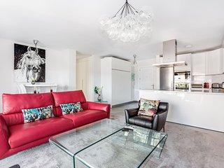 by RIVA - Contemporary 1 Bedroom Luxury Apt inside Puerto Banus