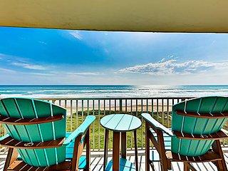 Beachfront Condo w/ Pool & Hot Tub - Near Lighthouse & Golf