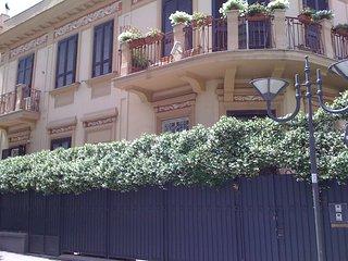 Villa Elena è una splendida villa del 900 Portici a pochi minuti da Napoli