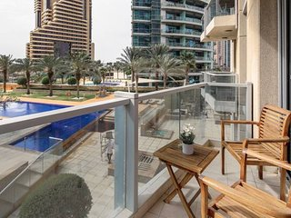 Stylish Spacious 1BR Dubai Marina Apartment