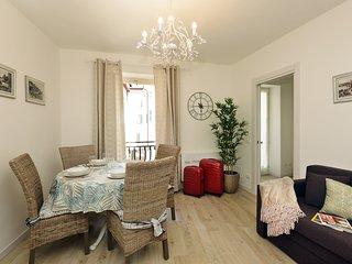 Cavour 2 apartment, nuovo trilocale a due passi dal lago
