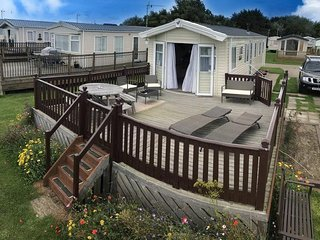 8 berth seaview caravan for hire in Suffolk on a great holiday park ref 20276BS