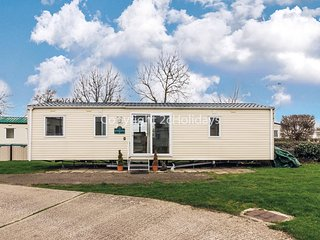 6 berth dog friendly static caravan in Haven Orchards in Essex ref 15070.