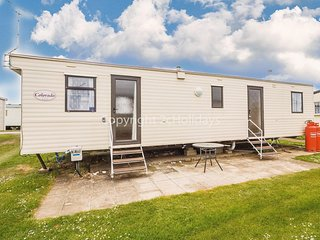8 berth caravan in Heacham for hire a great holiday place in Norfolk ref 21031