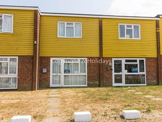 Luxury chalet to hire in Hemsby near Great Yarmouth ref 18163