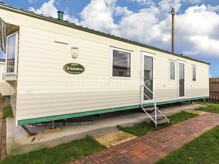 6 berth static caravan by Hunstanton beach and pets are welcome ref 13011