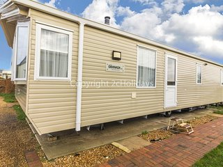 Pet friendly 6 berth static caravan by Hunstanton beach, Norfolk ref 13012L
