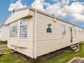 8 berth caravan for hire at Haven Caister beach holiday park  Norfolk ref 30063
