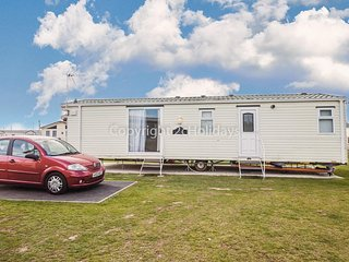 Pet friendly caravan by the beach at Seawick holiday park in Essex ref 27469