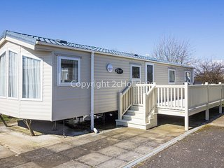 Stunning holiday home, Hunstanton at brilliant holiday park Manor Park ref 23002
